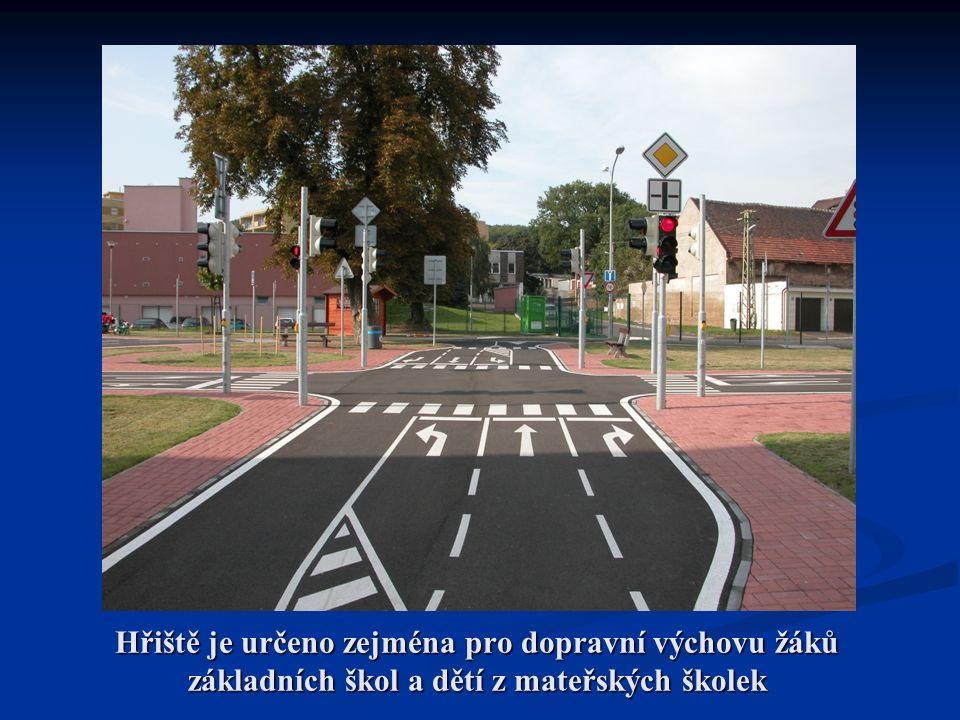 Hřiště je určeno zejména pro dopravní výchovu žáků základních škol a dětí z mateřských školek