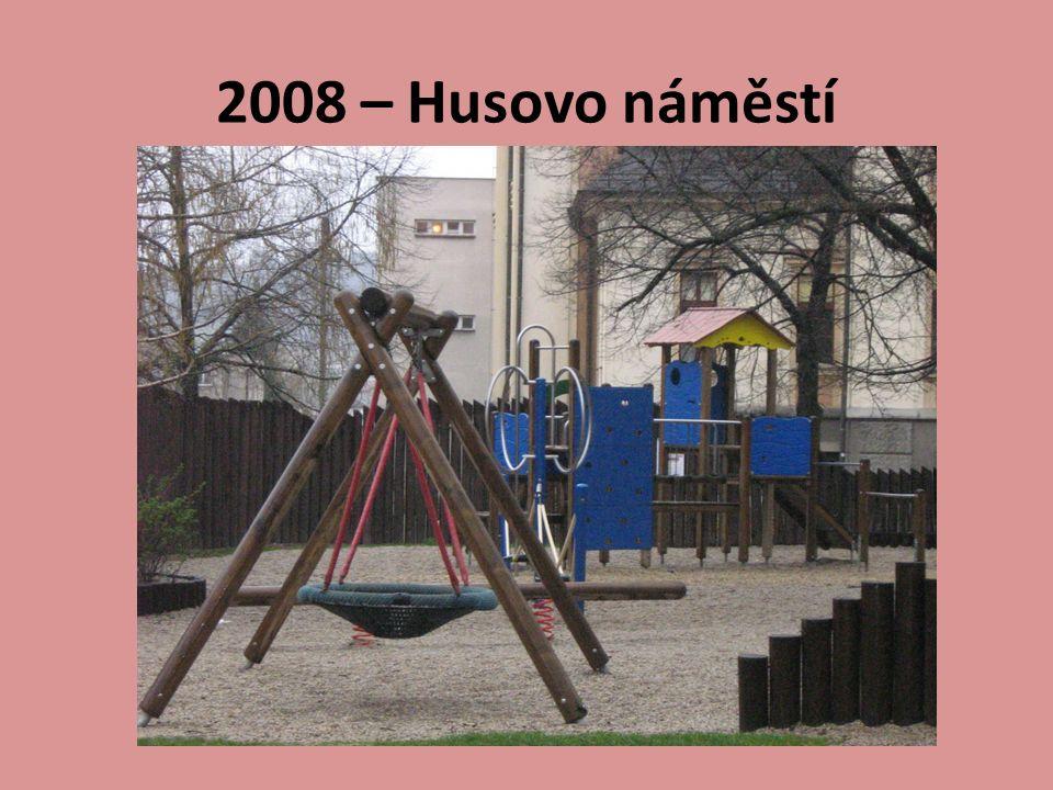 2008 – Husovo náměstí