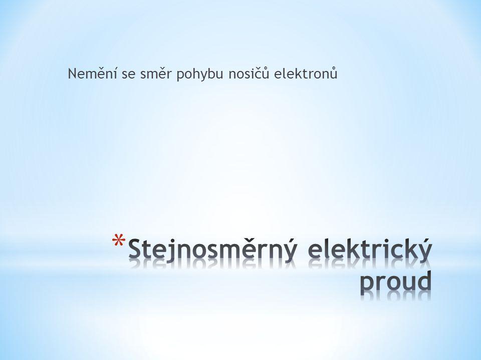 Nemění se směr pohybu nosičů elektronů
