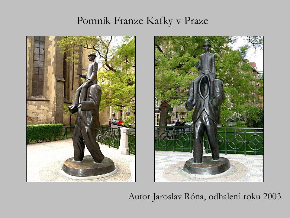 Pomník Franze Kafky v Praze Autor Jaroslav Róna, odhalení roku 2003
