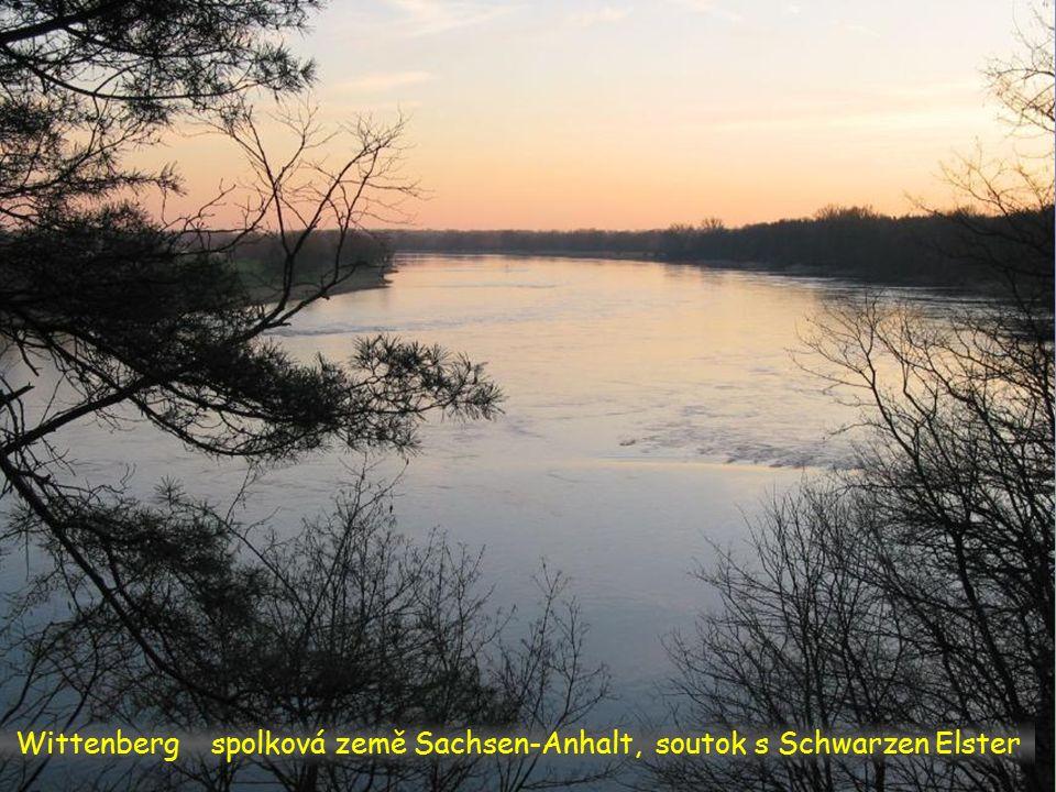 Torgau a zámek Hartenfels. Labe – Elbe opouští stát Sachsen