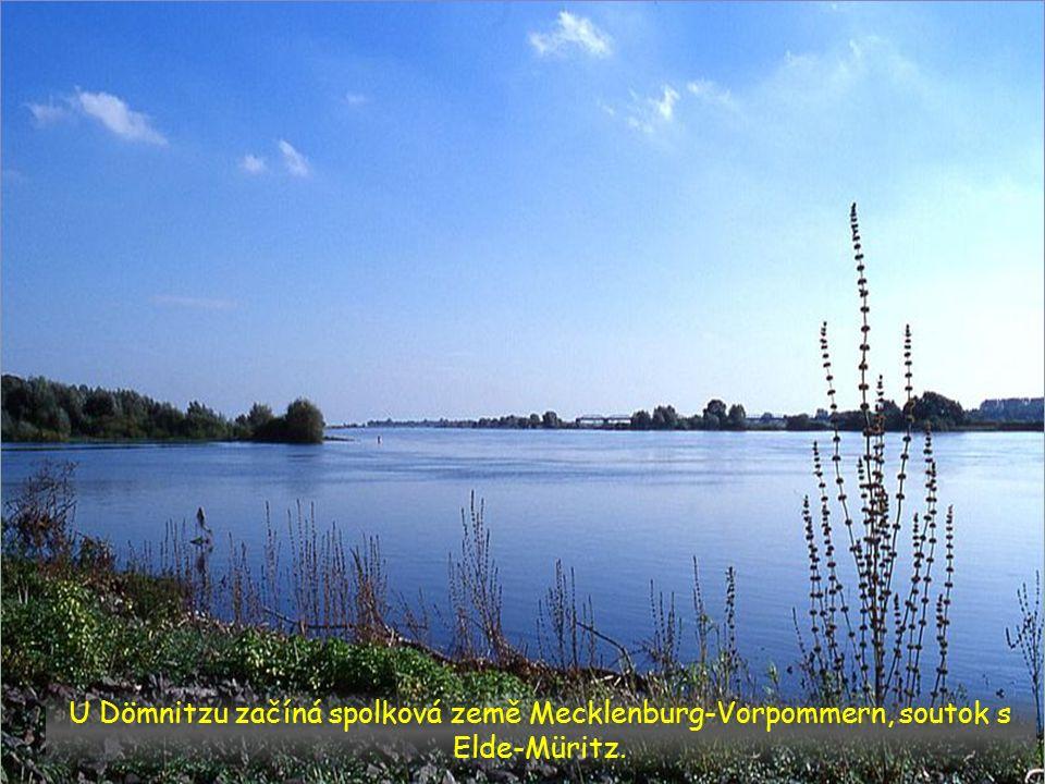 Elbe u Wittenbergu, spolková země Brandenburg u přítoku Saale a Havel.