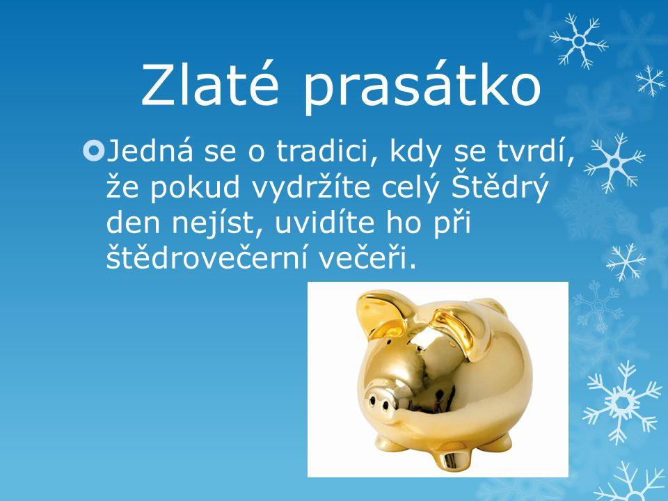 Rozkrojené jablíčko  Po štědrovečerní večeři si každý může rozkrojit jablko, když tam je hvězdička v příštím roce ho čeká štěstí a zdraví.