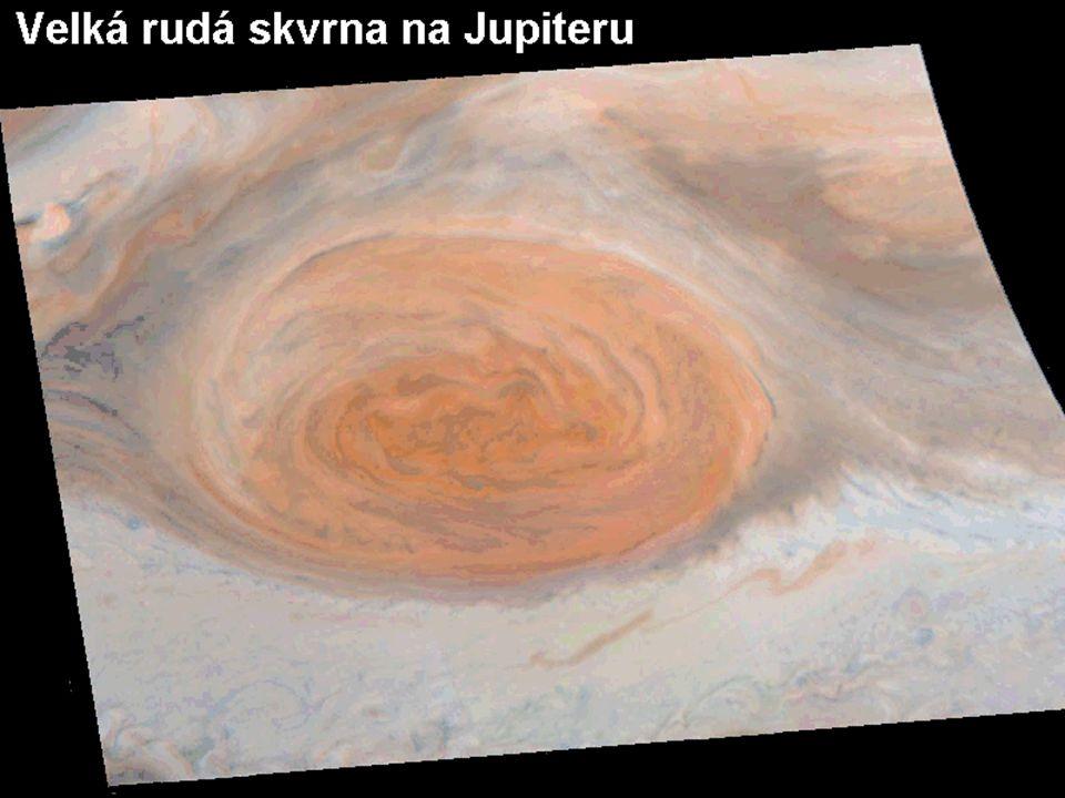 Poměrné stabilní útvar v atmosféře Jupiteru (více než 300 let) obrovská bouře rotující jako anticyklóna (proti směru hod.