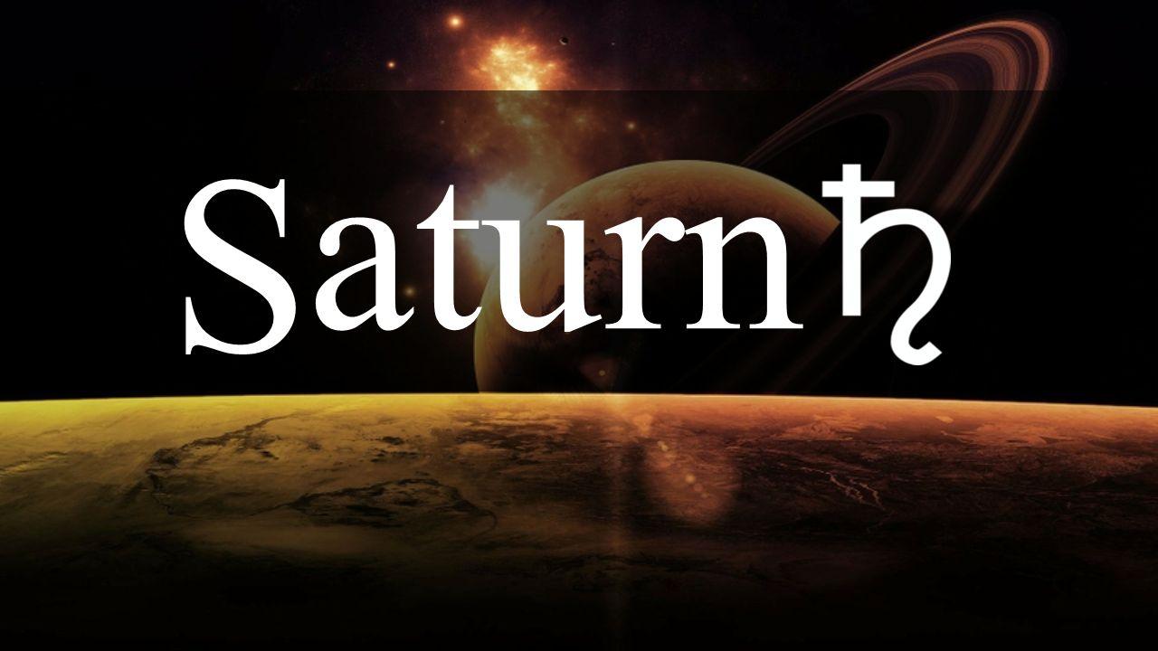 Obecně Je pojmenován po římském bohu Saturnovi, který byl obdobou řeckého Krona Při pozorování ze Země je žlutý – to je způsobeno různobarevnými pásy po obvodu planety, rovnoběžnými s rovníkem.