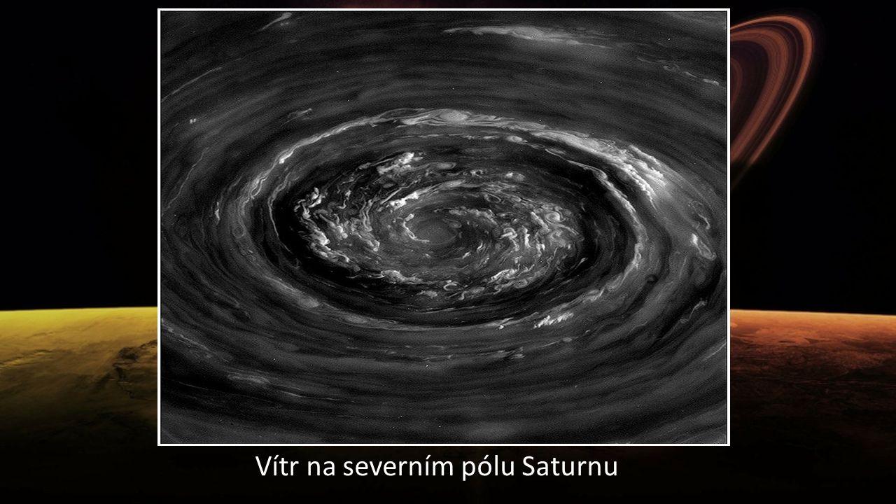 Vítr na severním pólu Saturnu