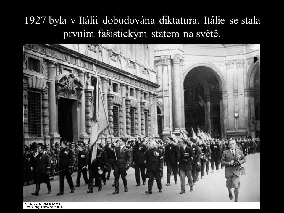 FAŠISMUS v Itálii 1919 – nespokojenost s výsledky po 1.sv.v.