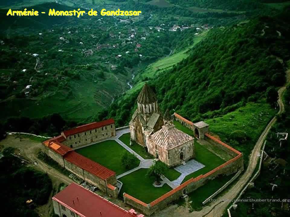Arménie – Monastýr de Gandzasar