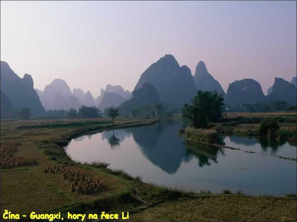 Vietnam - Ninh Binh, jeskyně deTam Coc