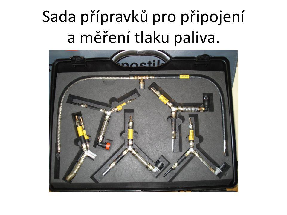 Sada přípravků pro připojení a měření tlaku paliva.