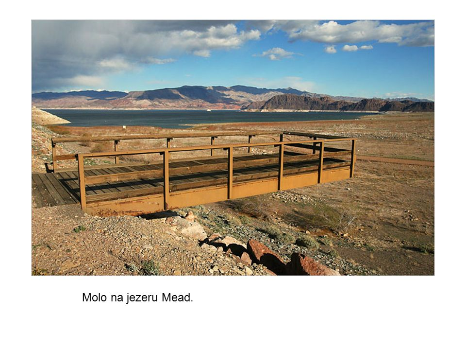Molo na jezeru Mead.