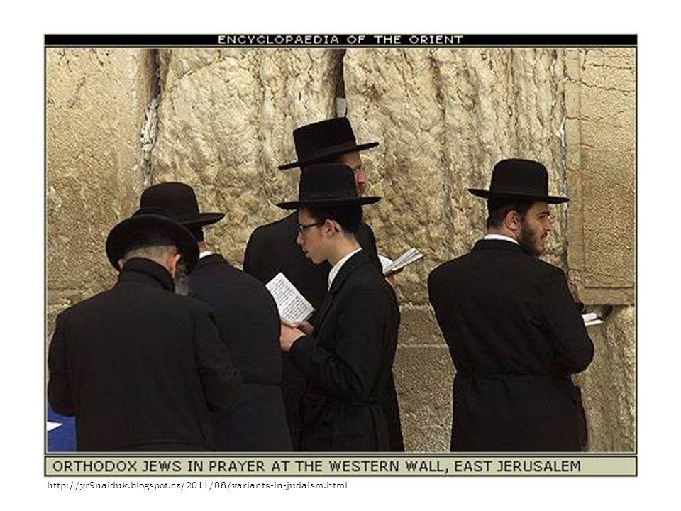 TÓRA Znamená zákon, učení a v nejužším smyslu jde o první ze tří částí Tanachu(posvátné spisy), neboli prvních pět knih hebrejské Bible.