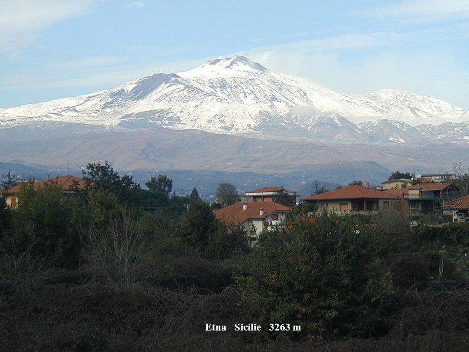 Corno Apeniny Itálie 2931 m