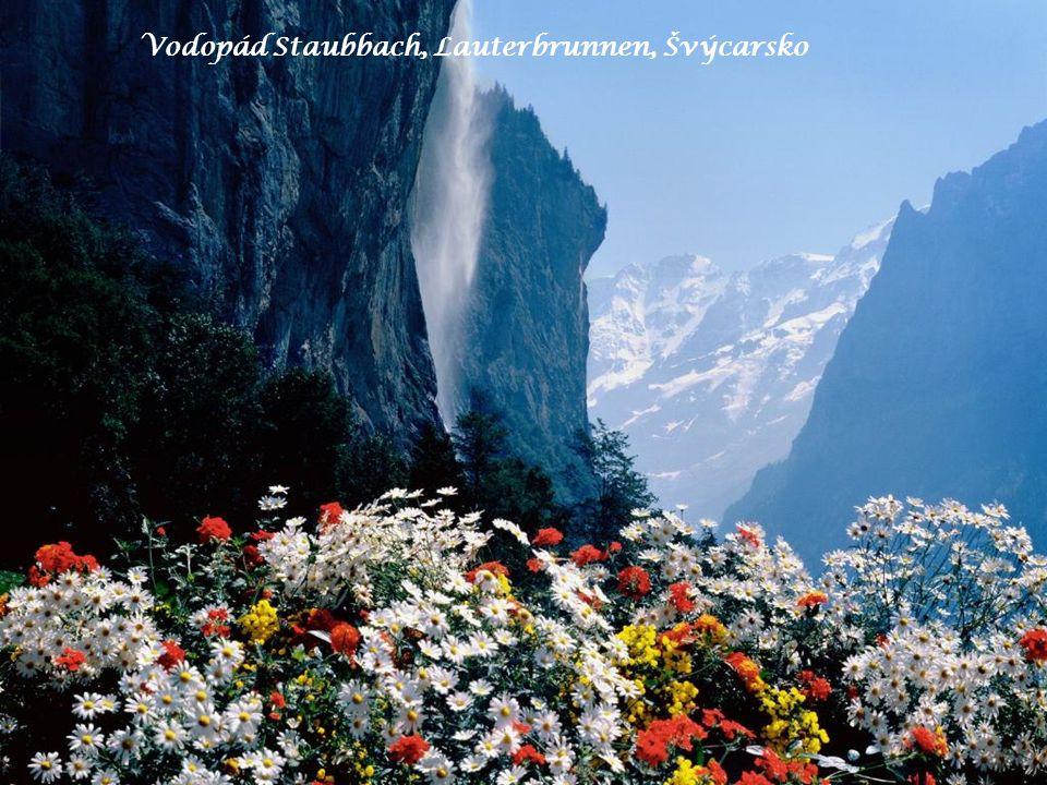 Vodopád Staubbach, Lauterbrunnen, Švýcarsko