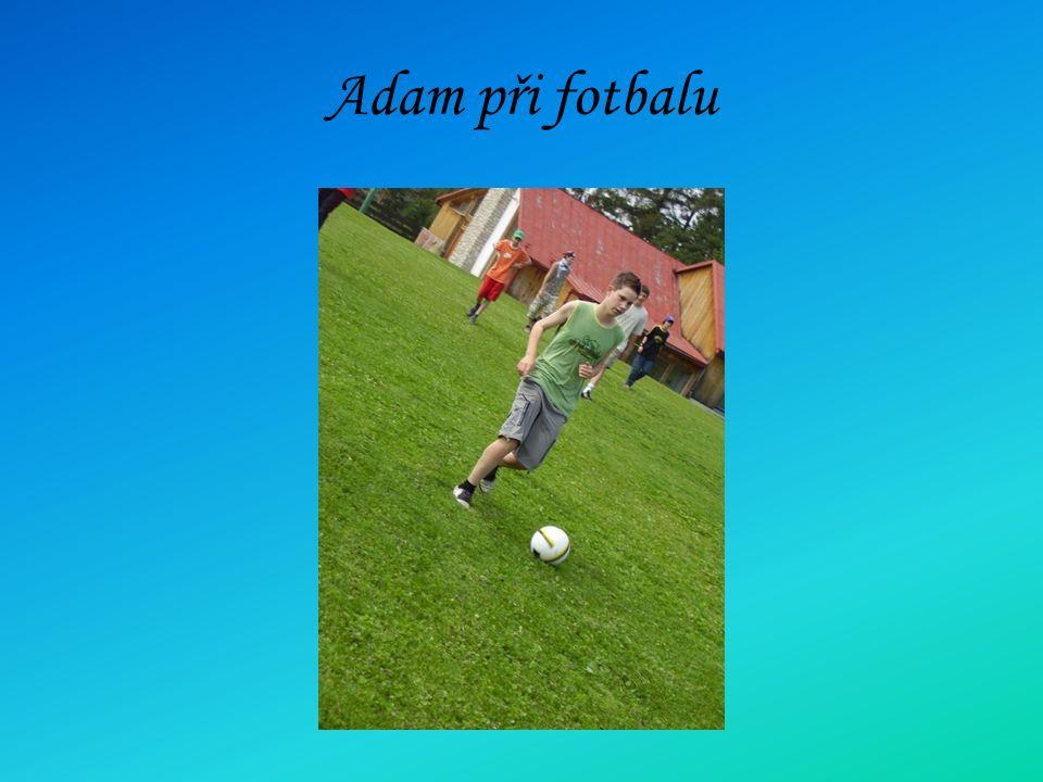 Adam při fotbalu