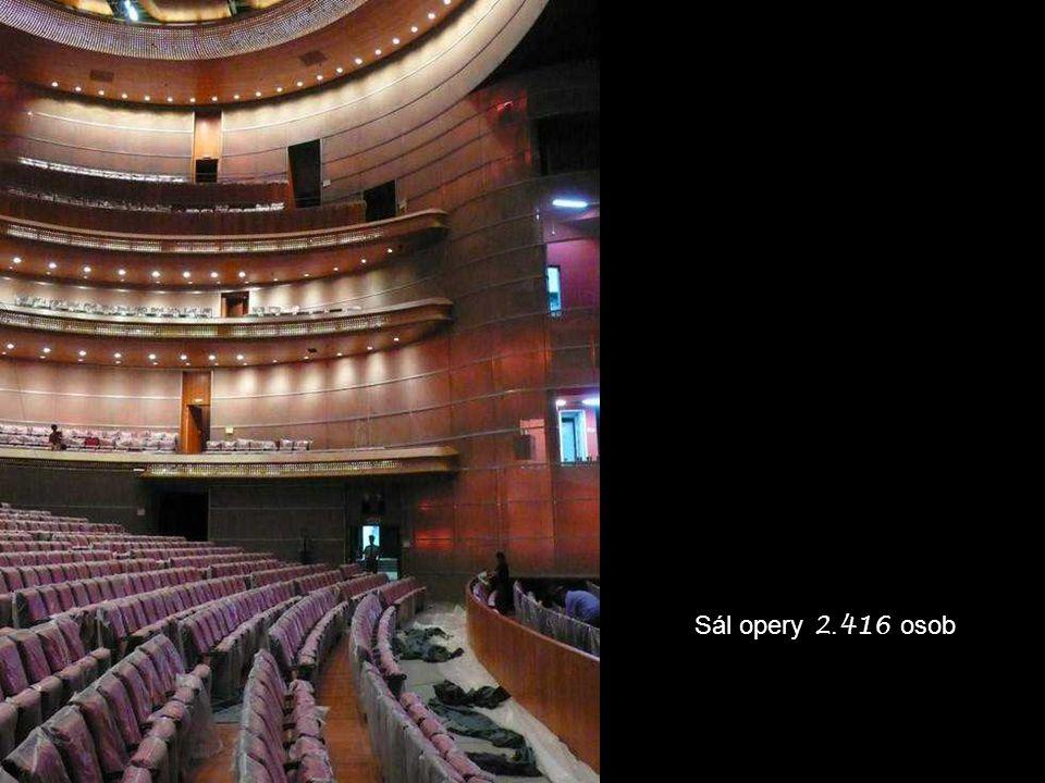 Sál opery 2. 416 osob