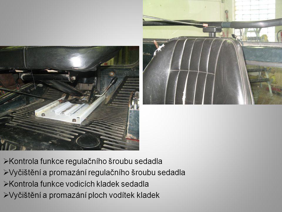  Demontáž ramínka zadního stírače a rýhované matice  Promazání hřídele zadního stírače (cca 3 kapky oleje)  Zpětná montáž celků zadního stírače