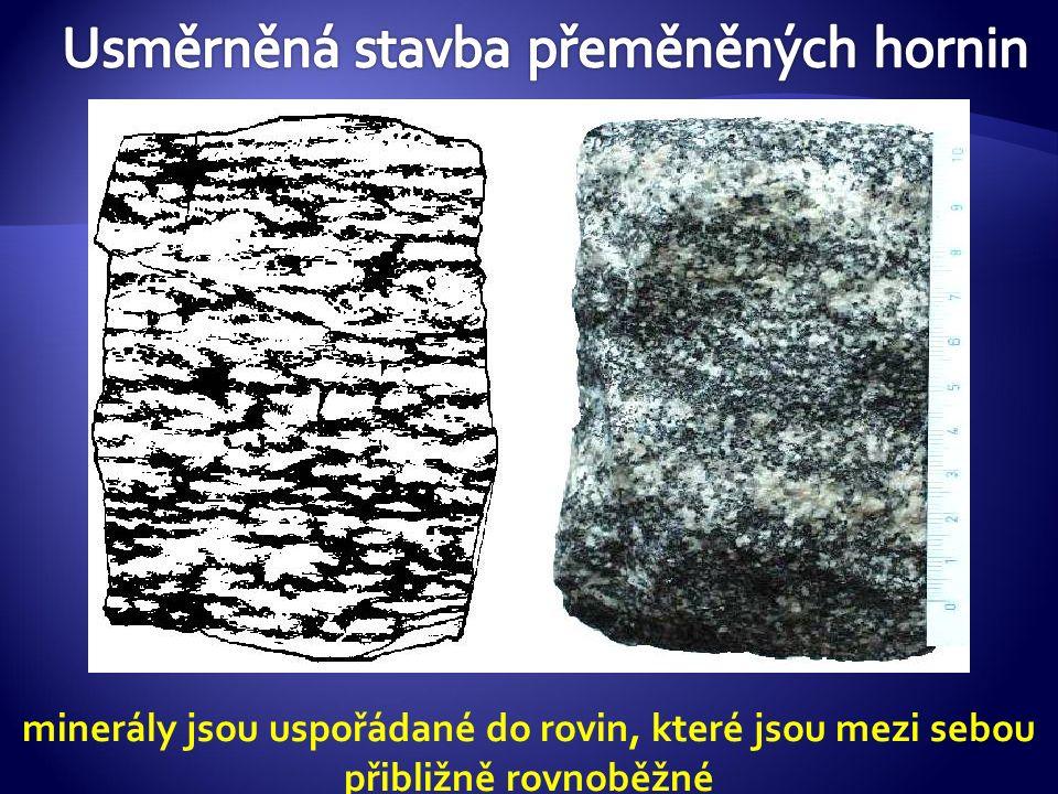 FYLIT  vzniká částečnou přeměnou - nejnižší stupeň metamorfózy jílových usazených hornin, především břidlice  obsahuje tmavou slídu  typická je šedozelená barva a hedvábný lesk, kterým jej odlišujeme od usazených jílových břidlic  podle velikosti částic je fylit jemně zrnitý  velmi dobře se štípe (a to deskovitě)  Využití: na obklady a jako střešní krytina