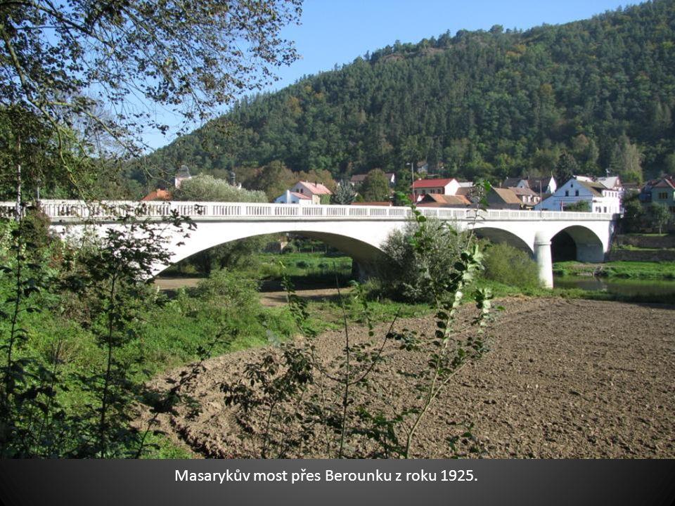 Masarykův most přes Berounku z roku 1925.