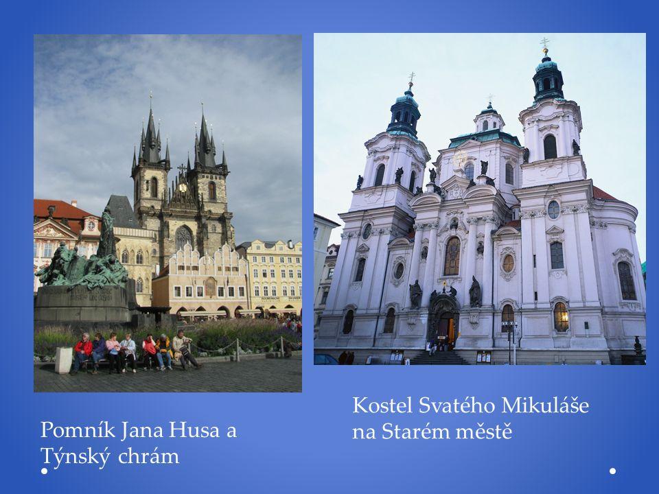 Pomník Jana Husa a Týnský chrám Kostel Svatého Mikuláše na Starém městě