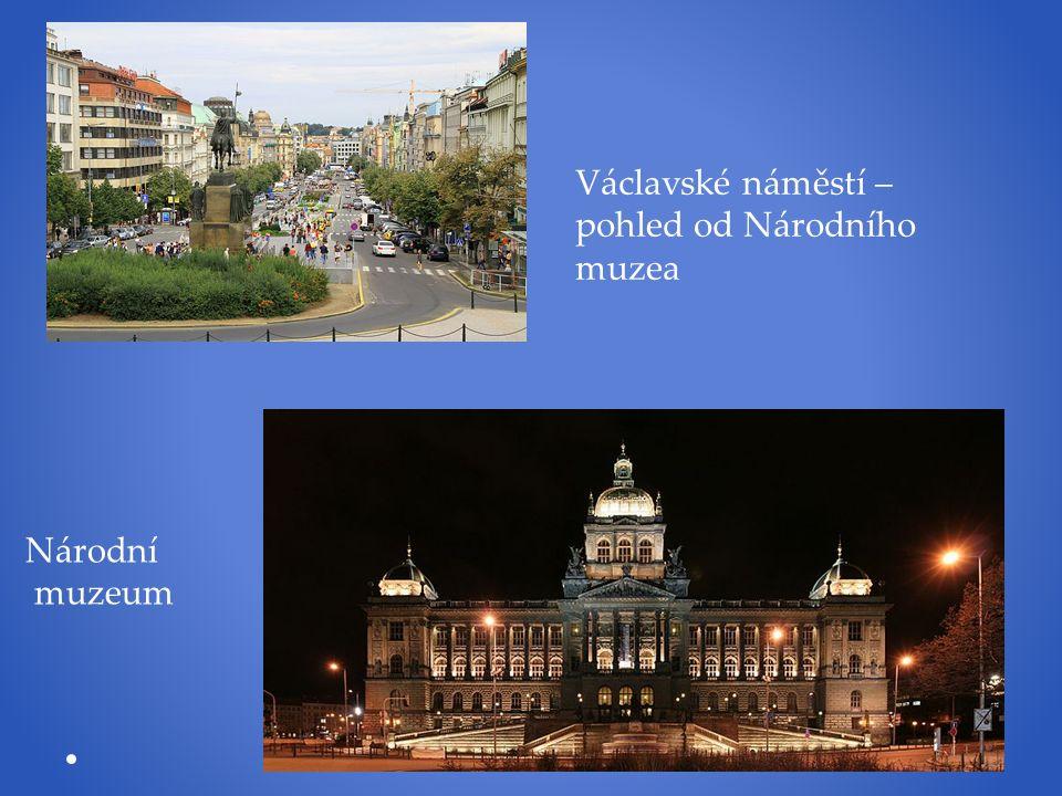 Václavské náměstí – pohled od Národního muzea Národní muzeum