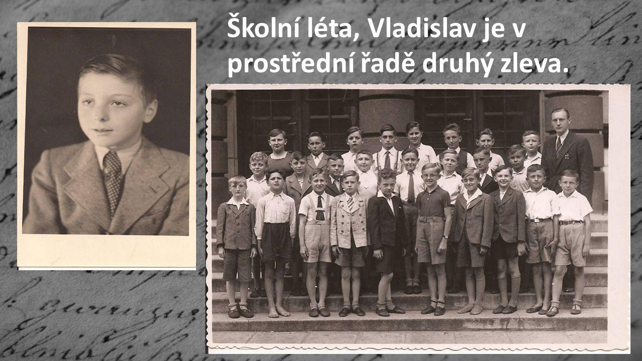 Školní léta, Vladislav je v prostřední řadě druhý zleva.