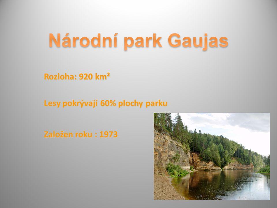 Rozloha: 920 km² Lesy pokrývají 60% plochy parku Založen roku : 1973