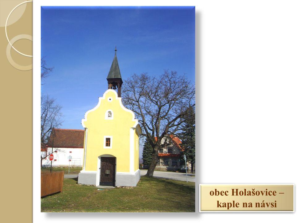 obec Holašovice – kaple na návsi