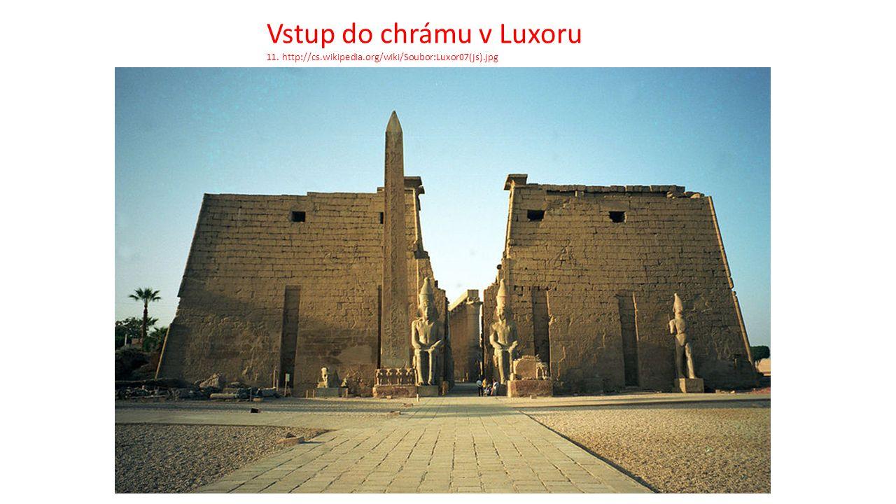 Vstup do chrámu v Luxoru 11. http://cs.wikipedia.org/wiki/Soubor:Luxor07(js).jpg