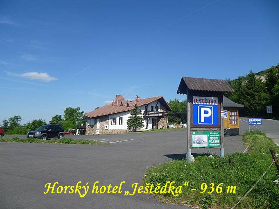 """Horský hotel """"Ještědka"""" - 936 m"""