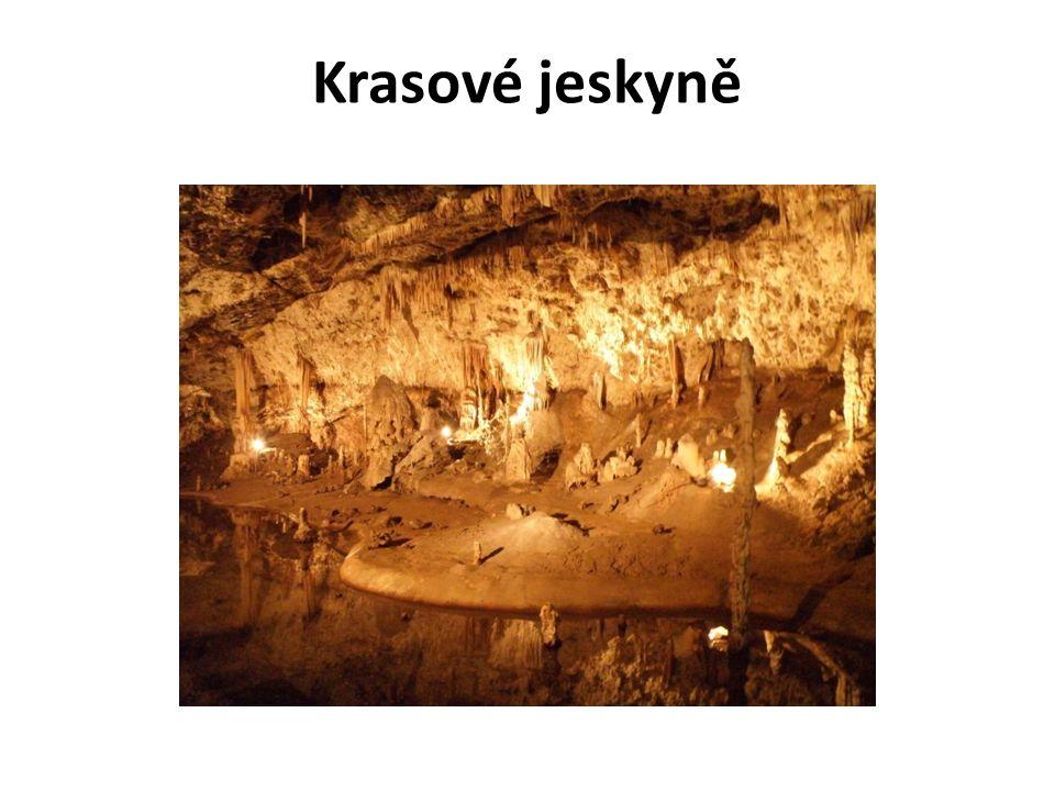 Krasové jeskyně
