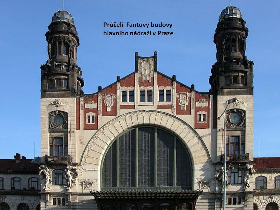 Průčelí Fantovy budovy hlavního nádraží v Praze
