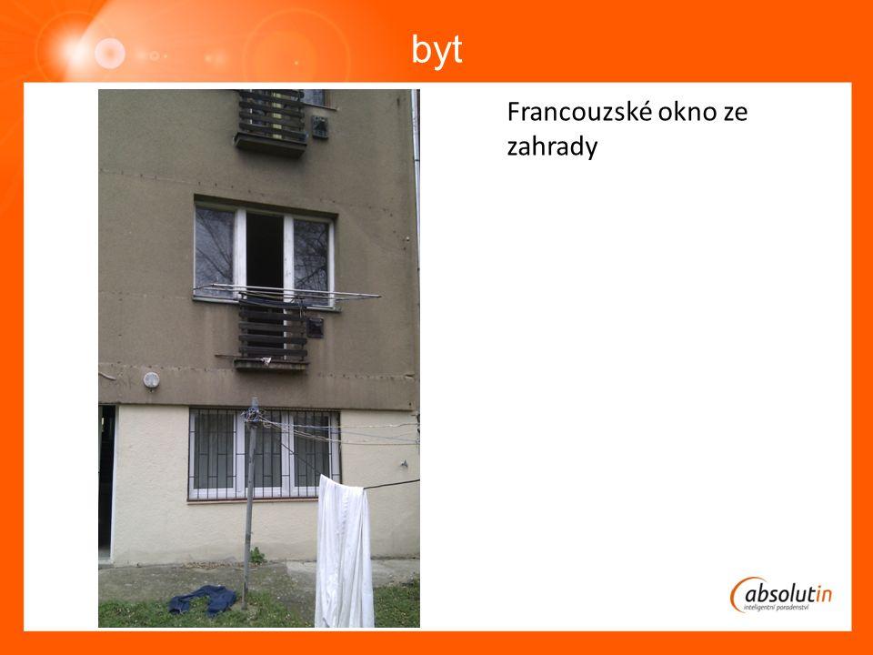 byt Francouzské okno ze zahrady