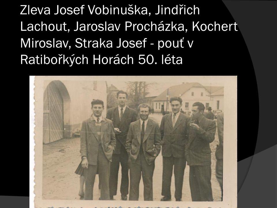 Zleva Josef Vobinuška, Jindřich Lachout, Jaroslav Procházka, Kochert Miroslav, Straka Josef - pouť v Ratibořkých Horách 50. léta