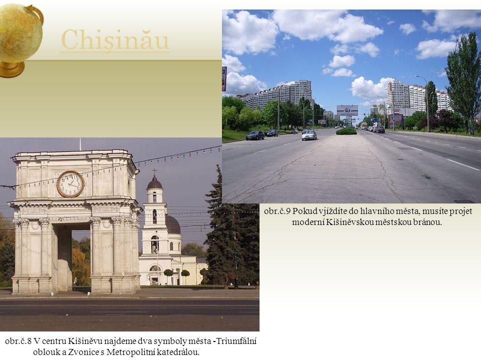Chiinău obr.č.8 V centru Kišiněvu najdeme dva symboly města -Triumfální oblouk a Zvonice s Metropolitní katedrálou.