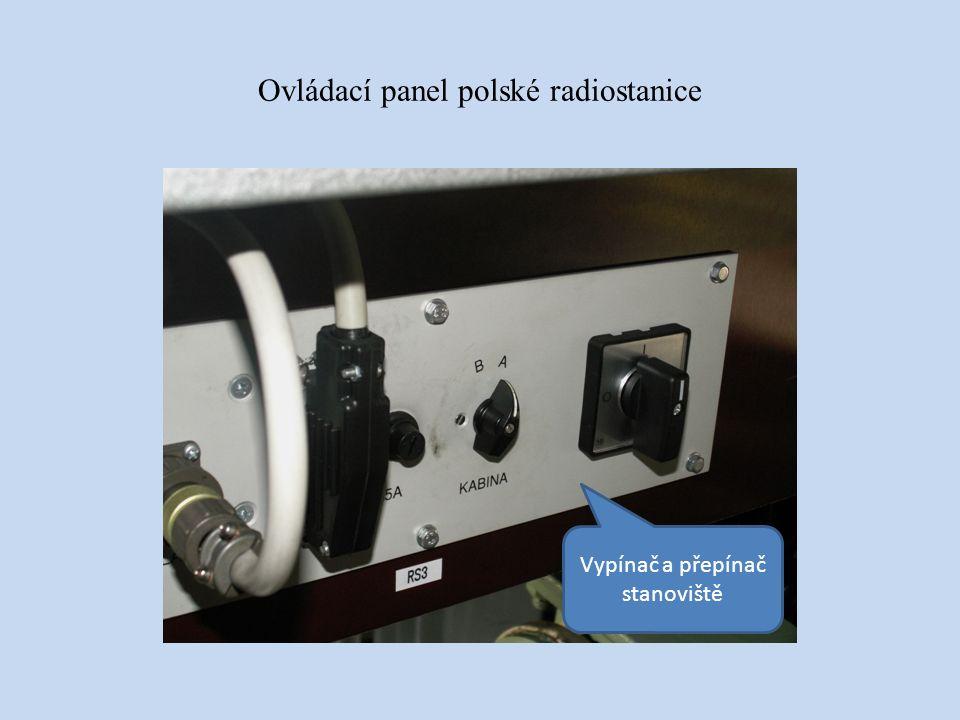 Ovládací panel polské radiostanice Vypínač a přepínač stanoviště