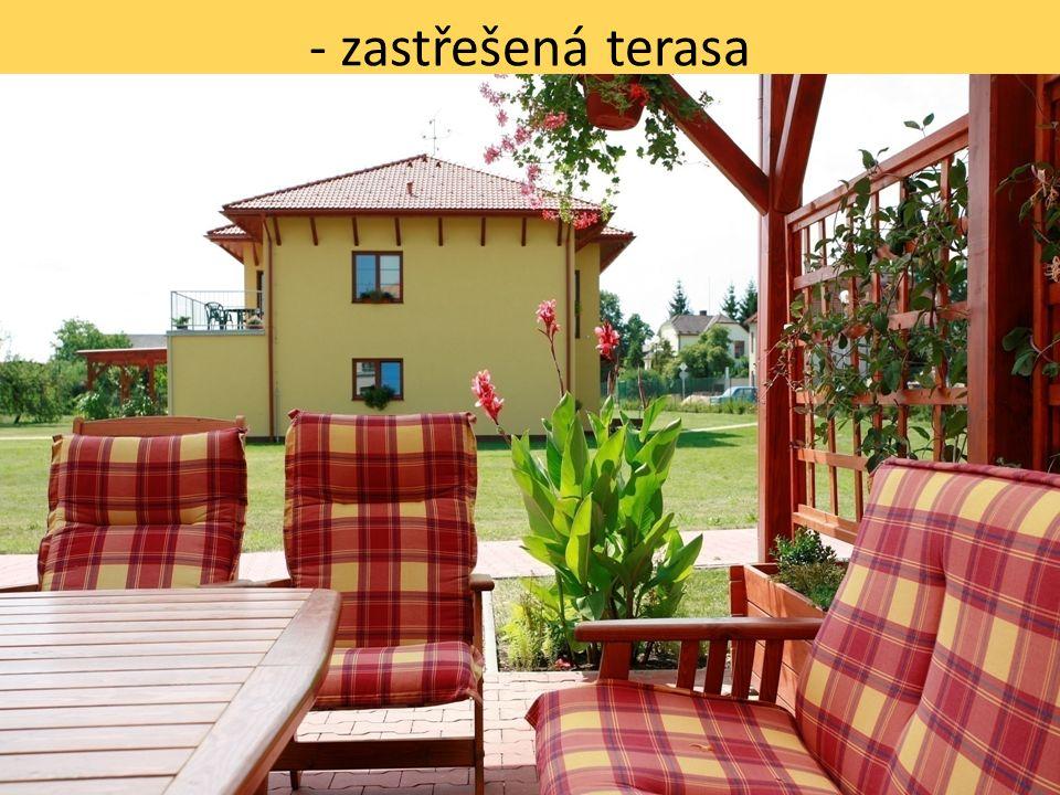 - sousední domky