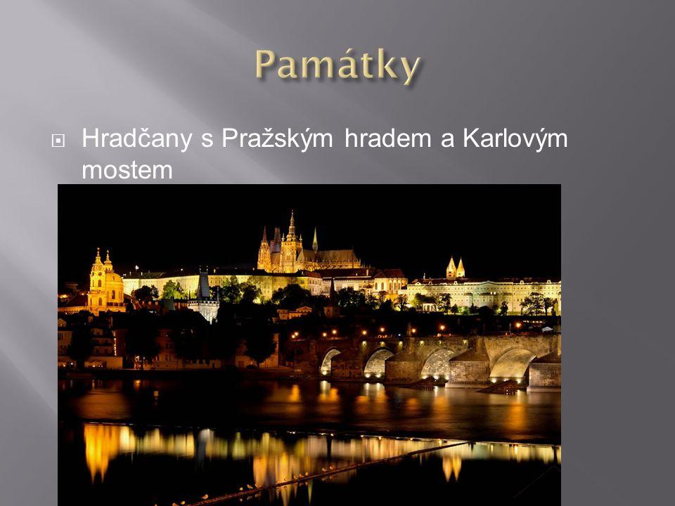  Hradčany s Pražským hradem a Karlovým mostem