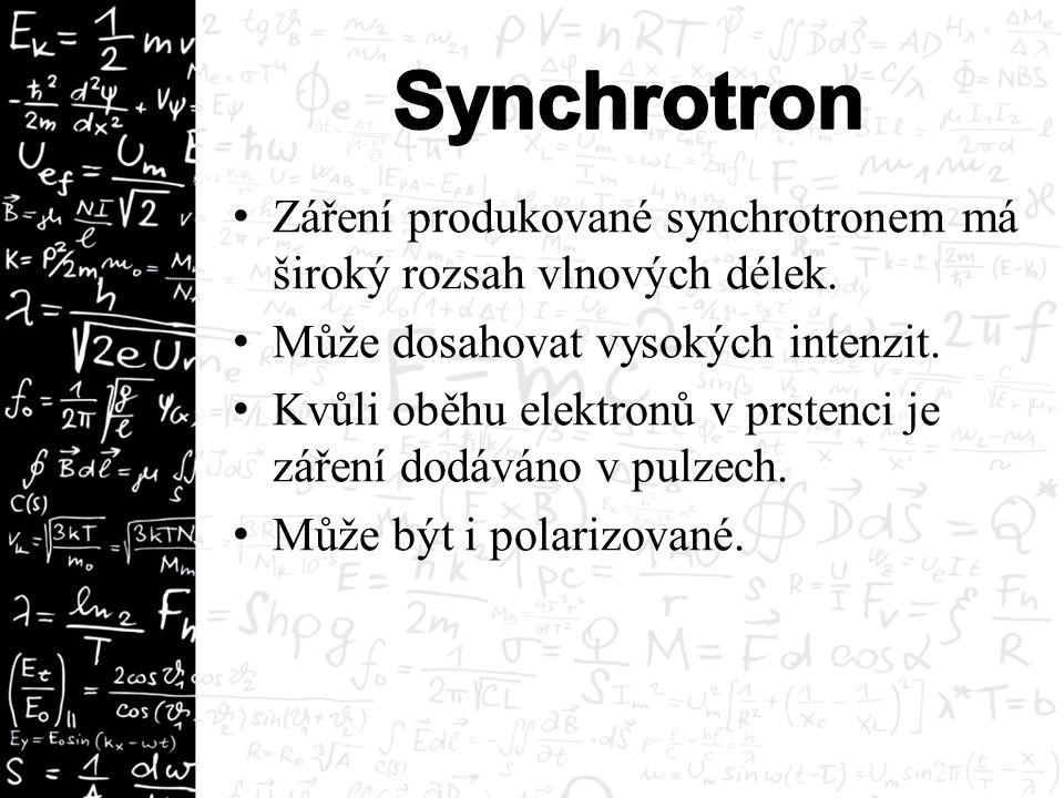 Záření produkované synchrotronem má široký rozsah vlnových délek. Může dosahovat vysokých intenzit. Kvůli oběhu elektronů v prstenci je záření dodáván
