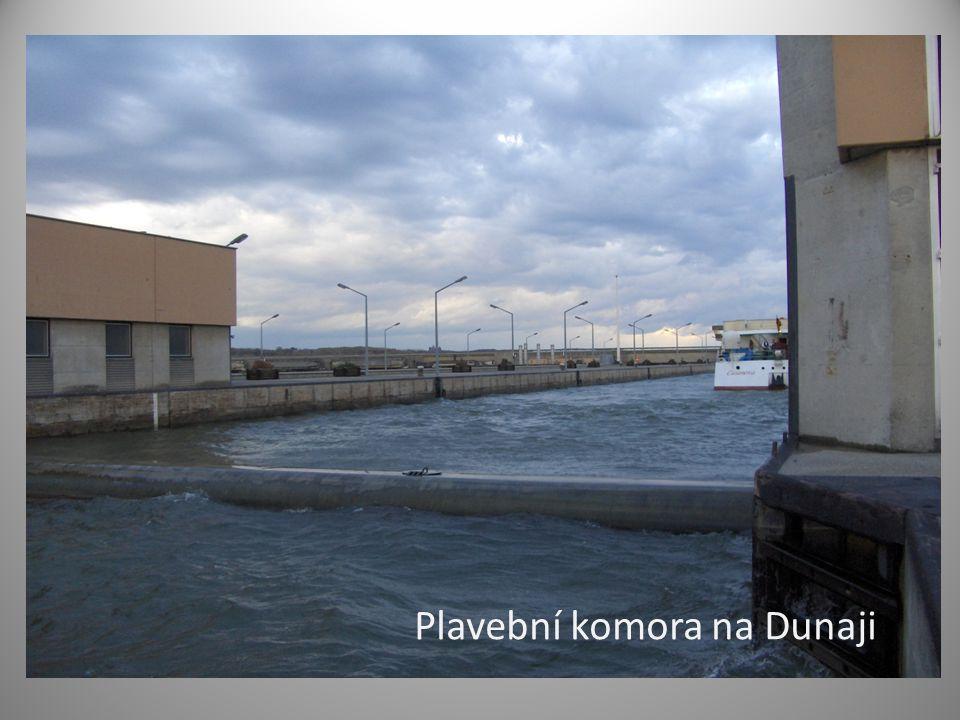 Plavební komora na Dunaji