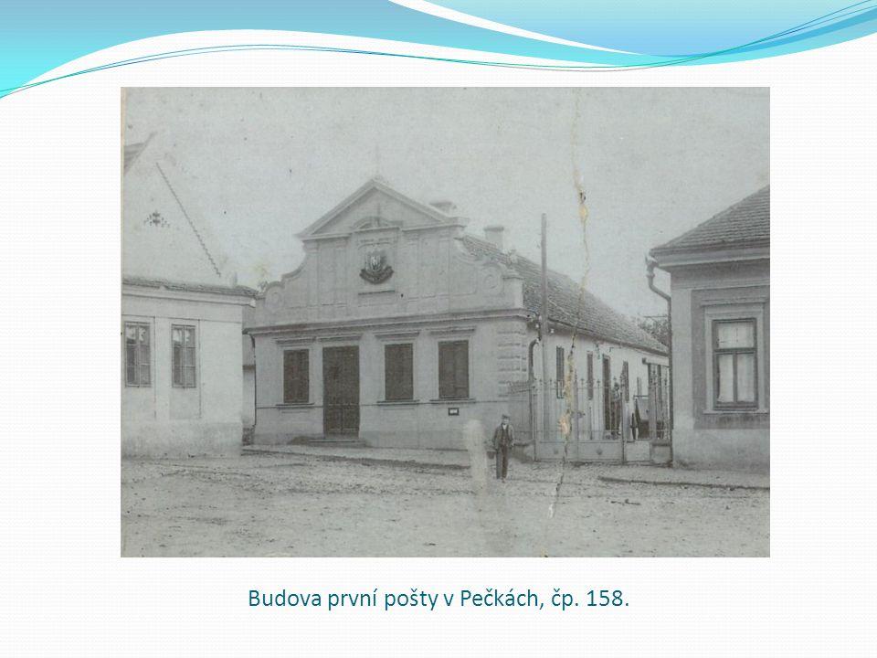 Budova první pošty v Pečkách, čp. 158.