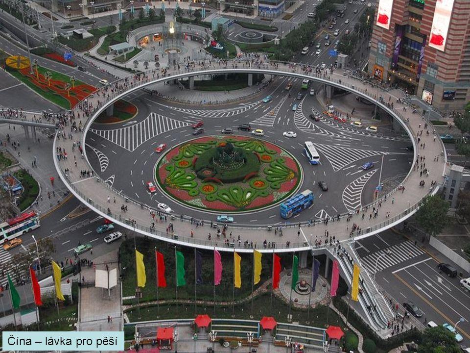 Čína – lávka pro pěší
