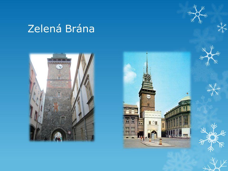 Morový sloup na Pernštýnském náměstí kde se konají Vánoční trhy