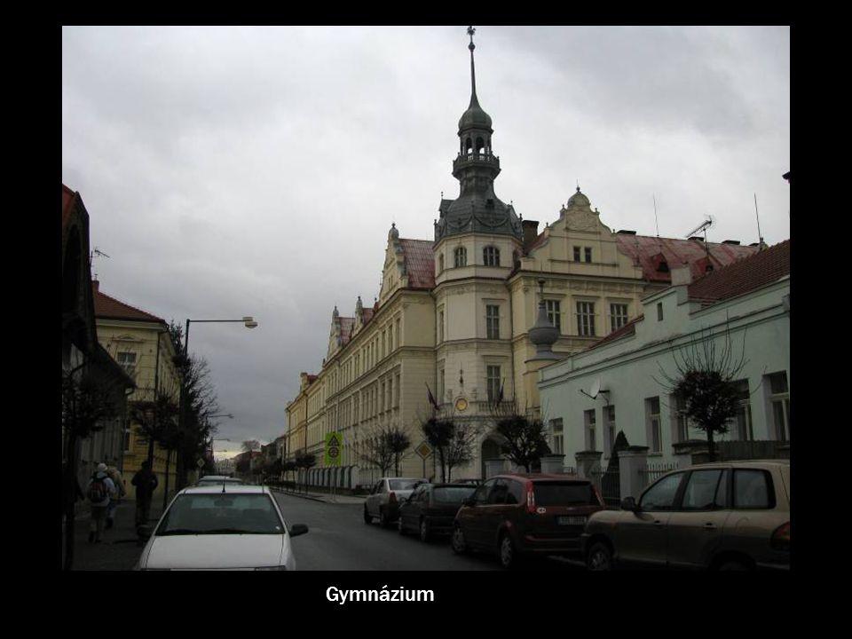 Reliéf vznikl v r. 1910 u příležitosti 600 výročí příjezdu Elišky Přemyslovny do Nymburka.