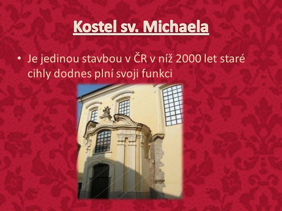 Je jedinou stavbou v ČR v níž 2000 let staré cihly dodnes plní svoji funkci