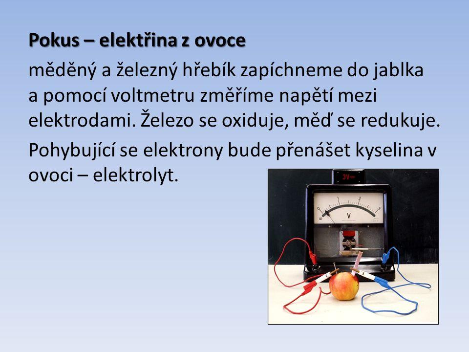 Rozdělení galvanických článků Danielův článek Danielův článek - skládá se ze dvou elektrod (měděné a zinkové) a z roztoků elektrolytů (roztok Cu 2+ soli a roztok Zn 2+ soli).