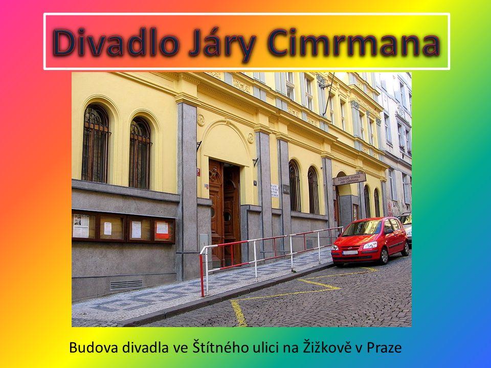 Budova divadla ve Štítného ulici na Žižkově v Praze