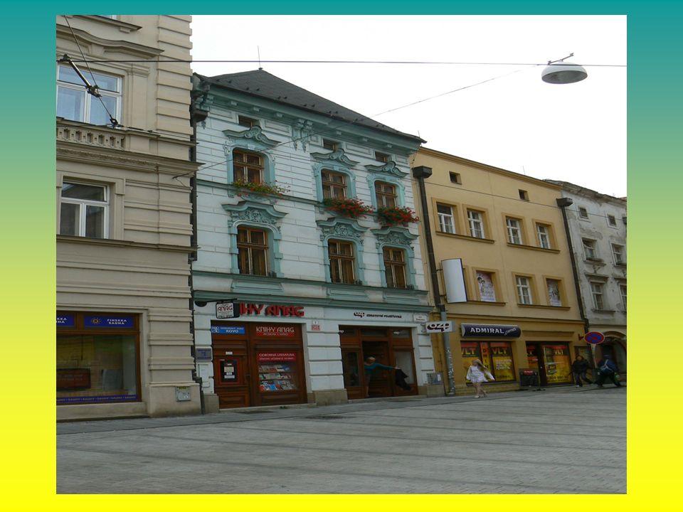 Ubytovací zařízení OS KOVO se nachází v centru města Olomouce kapacita 3 pokoje možnost ubytovat celkem 7 osob ubytovna je vybavena kuchyňkou s možností přípravy jednoduchého jídla, (obdobně jako v RZ OS Černý most) koupelny se sprchou jsou zvlášť pro muže a ženy