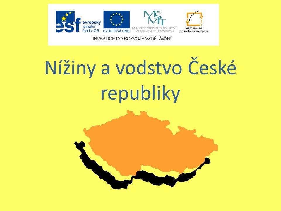 Nížiny České republiky se rozprostírají podél řek.