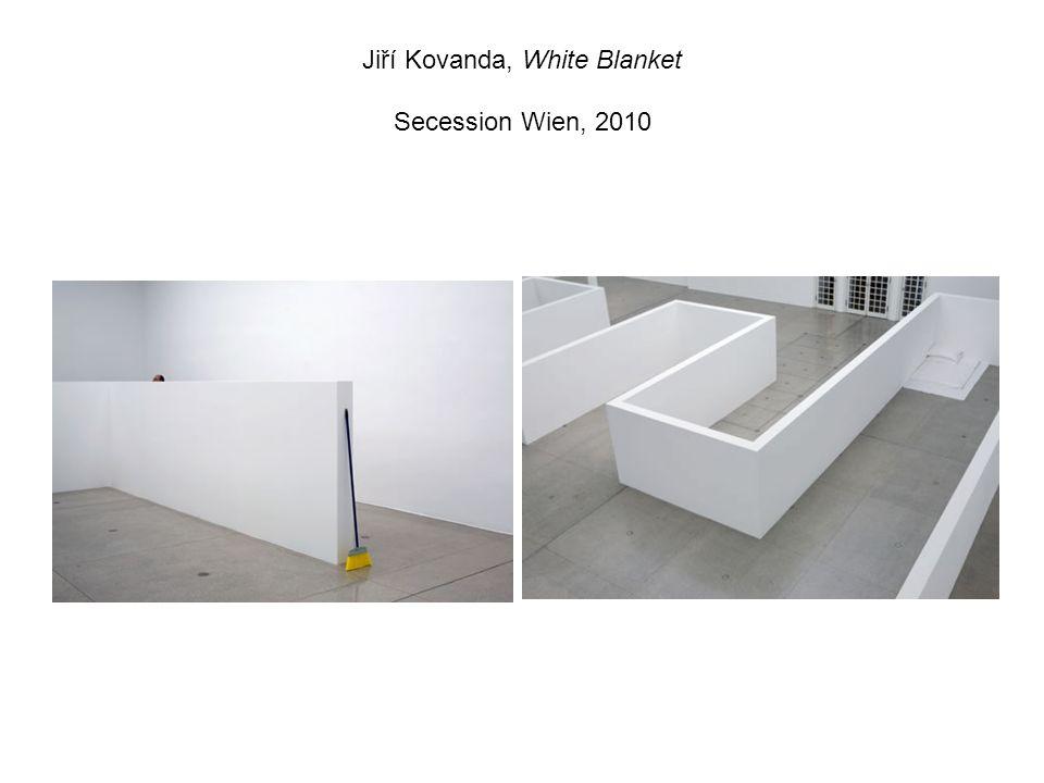 Jiří Kovanda, White Blanket Secession Wien, 2010